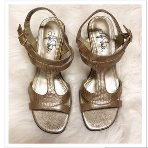 Life Stride Sari Strappy Rose Gold Sandal Wedge